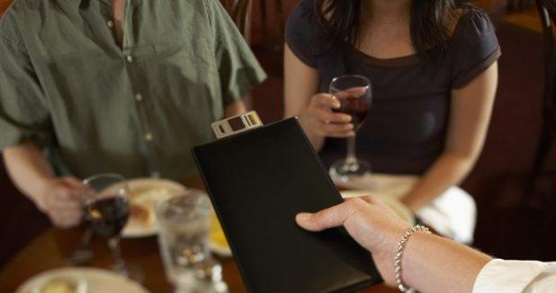kế toán nhà hàng khách sạn phải là những người có kinh nghiệm thực tế lâu năm mới làm được.