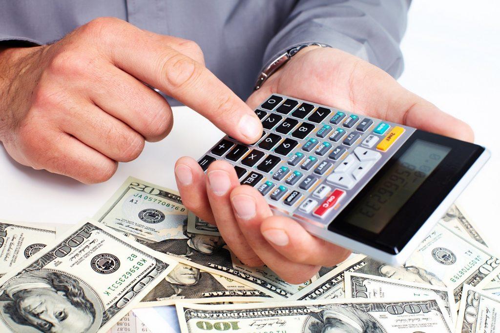 Billetes y calculadora